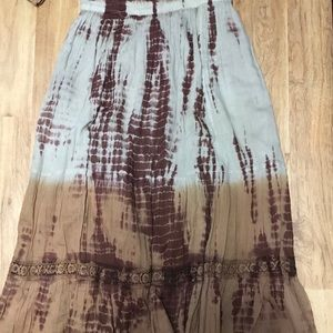 Lace tiered skirt 🙋🏻♀️
